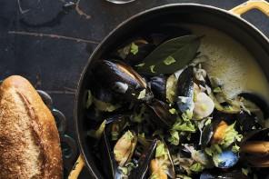cravings-mussels-in-sour-beer-crdt-Peden+Munk