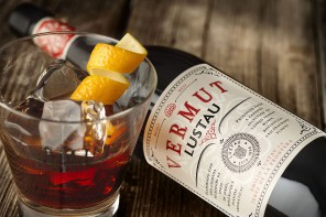 spanish vermouth-vermut lustau-slideshow