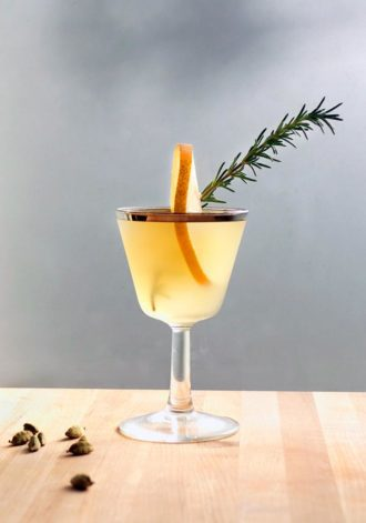 winter pear cocktail