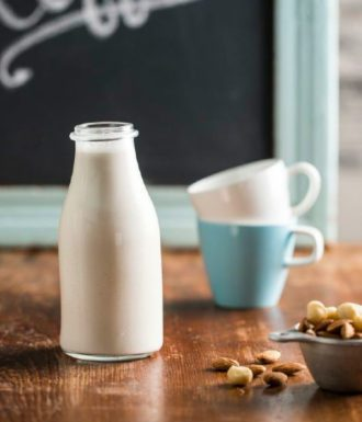 almond macadamia milk