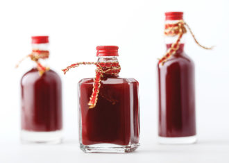 homemade cranberry bitters