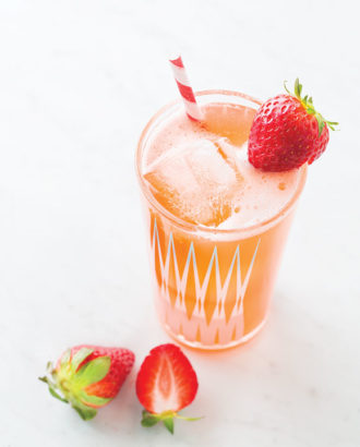 fermentation-strawberry-water-kefir-crdt-lara-ferroni