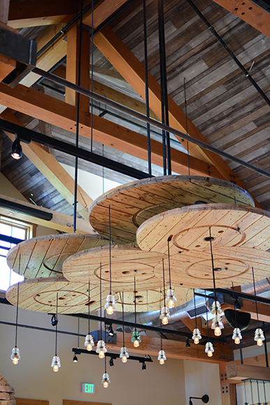 Various kinds of wood were used throughout the restaurant, to create warm but artsy vibes.