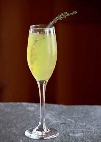 si-vois-plait-sparkling-cocktail