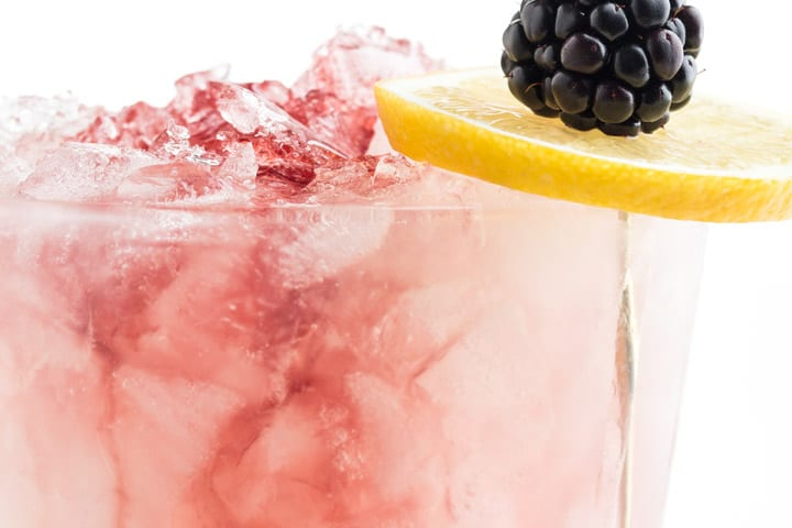 SUBSCRIBE & GET A BONUS GUIDE TO OUR FAVORITE TIMELESS COCKTAILS