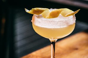 Apple Brandy Cocktail: Without Borders